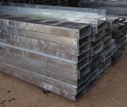 Máng cáp mạ kẽm nhúng nóng là vật liệu được sử dụng rất phổ biến trong các công trình